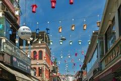 著名伊斯坦布尔街道鱼餐馆地标Kumkapi 图库摄影