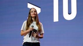 著名俄国博客作者和vlogger Sasha Spilberg 股票视频