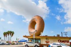 著名兰迪油炸圈饼在洛杉矶 图库摄影