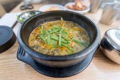著名冬天韩国食物泥鳅汤 库存图片