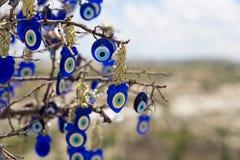 著名凶眼树风景视图在卡帕多细亚, Goreme,土耳其 库存图片