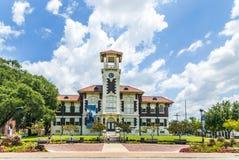著名历史的市政厅在湖 库存图片