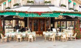 著名咖啡馆列斯deux magots,巴黎,法国 免版税库存图片