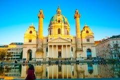 著名圣查尔斯` s教会看法在维也纳,奥地利 库存照片