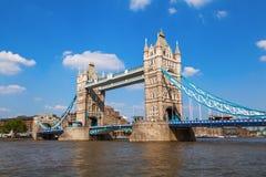 著名塔桥梁在伦敦 免版税库存照片