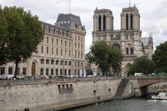 著名大教堂Notre Dame在巴黎 库存图片