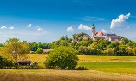 著名安德希斯修道院在夏天,施塔恩贝格,上巴伐利亚行政区,德国区  免版税库存图片