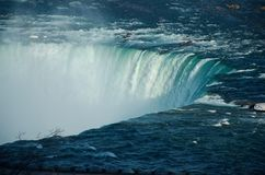 著名尼亚加拉大瀑布马掌秋天的上部边缘 库存图片