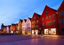 著名布吕根街道在卑尔根-挪威 免版税库存照片