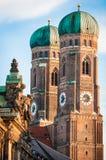 著名慕尼黑大教堂- Liebfrauenkirche 免版税库存图片
