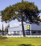 著名折扣杂货店Lidl在帕福斯,塞浦路斯 免版税库存图片