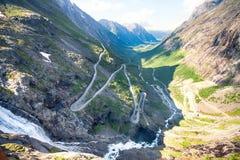 著名挪威拖钓的道路 免版税库存照片