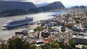 著名挪威镇Alesund鸟瞰图  股票录像