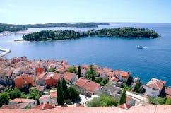 著名旅游地方全景在克罗地亚,罗维尼 库存照片