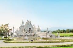 著名泰国寺庙或盛大白色寺庙电话Wat荣Khun, 库存图片