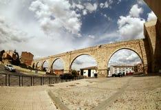 著名渡槽在特鲁埃尔省,西班牙 免版税库存图片