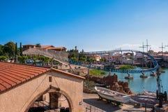 著名游乐园口岸Aventura在萨洛角,在巴塞罗那附近 库存图片
