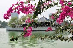 著名湖寺庙地标在科伦坡,斯里兰卡 免版税库存图片