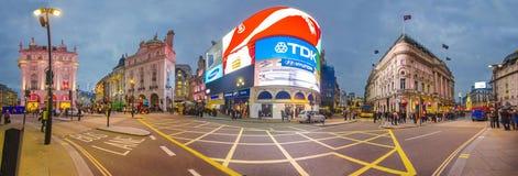 著名皮卡迪利广场在伦敦 免版税库存图片