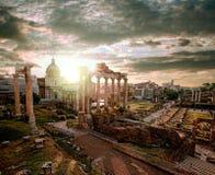 著名罗马废墟在罗马,意大利首都 免版税库存照片