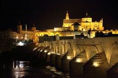 著名罗马桥梁在科多巴 免版税库存图片
