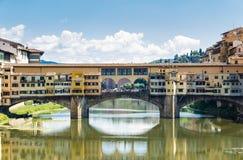 著名老桥梁在佛罗伦萨,意大利 免版税库存照片
