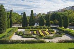 著名花床在公园在巴伦西亚,西班牙 免版税库存照片