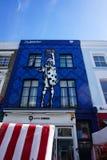 著名街道画在诺丁山,伦敦 免版税库存照片
