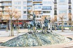 著名西班牙语唐吉诃德和Sancho Panza雕塑在圣Sebsatian,西班牙 免版税库存照片