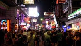 著名走的街道在芭达亚在晚上 泰国 股票视频