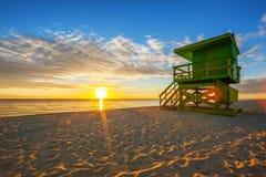 著名迈阿密南海滩日出 免版税库存图片