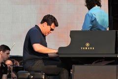 著名钢琴演奏者丹尼斯Matsuev在阶段执行 免版税库存图片