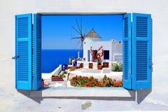 著名风车在Oia村庄,圣托里尼海岛 库存照片