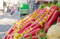 从著名食物街道,拉合尔,巴基斯坦的一个看法 库存图片
