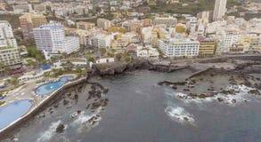 著名水池在普埃尔托德拉克鲁斯,特内里费岛 库存照片
