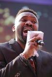 著名黑男性歌手uwechue伊曼纽尔(haoge) 免版税图库摄影