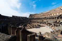 著名colosseum在明亮的夏日 库存图片