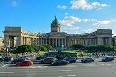 著名Kazansky大教堂在彼得斯堡俄罗斯 免版税库存图片
