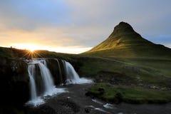 著名Kirkjufell山在冰岛 免版税图库摄影