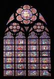 著名Notre Dame大教堂彩色玻璃 免版税库存图片