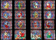 著名Notre Dame大教堂彩色玻璃 免版税库存照片