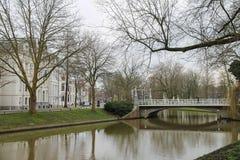 著名Oudegracht运河在乌得勒支, Ne的历史的中心 免版税库存照片