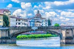 著名Ponte Vecchio在佛罗伦萨,意大利 免版税图库摄影