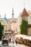 著名Viru门-部分老镇建筑学爱沙尼亚语资本, 免版税库存图片