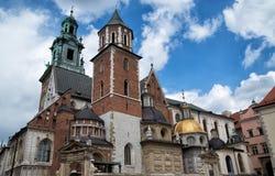 著名Wawel大教堂克拉科夫在晴天,波兰 库存照片