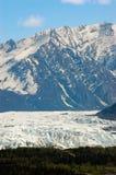 从葛伦高速公路的Matanuska冰川在阿拉斯加 图库摄影