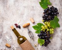 葡萄、酒和葡萄酒拔塞螺旋 免版税库存图片