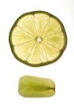 葡萄和柠檬片式 库存图片
