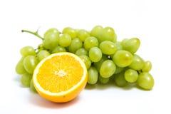 葡萄和桔子 库存照片