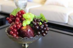 葡萄和苹果 库存照片